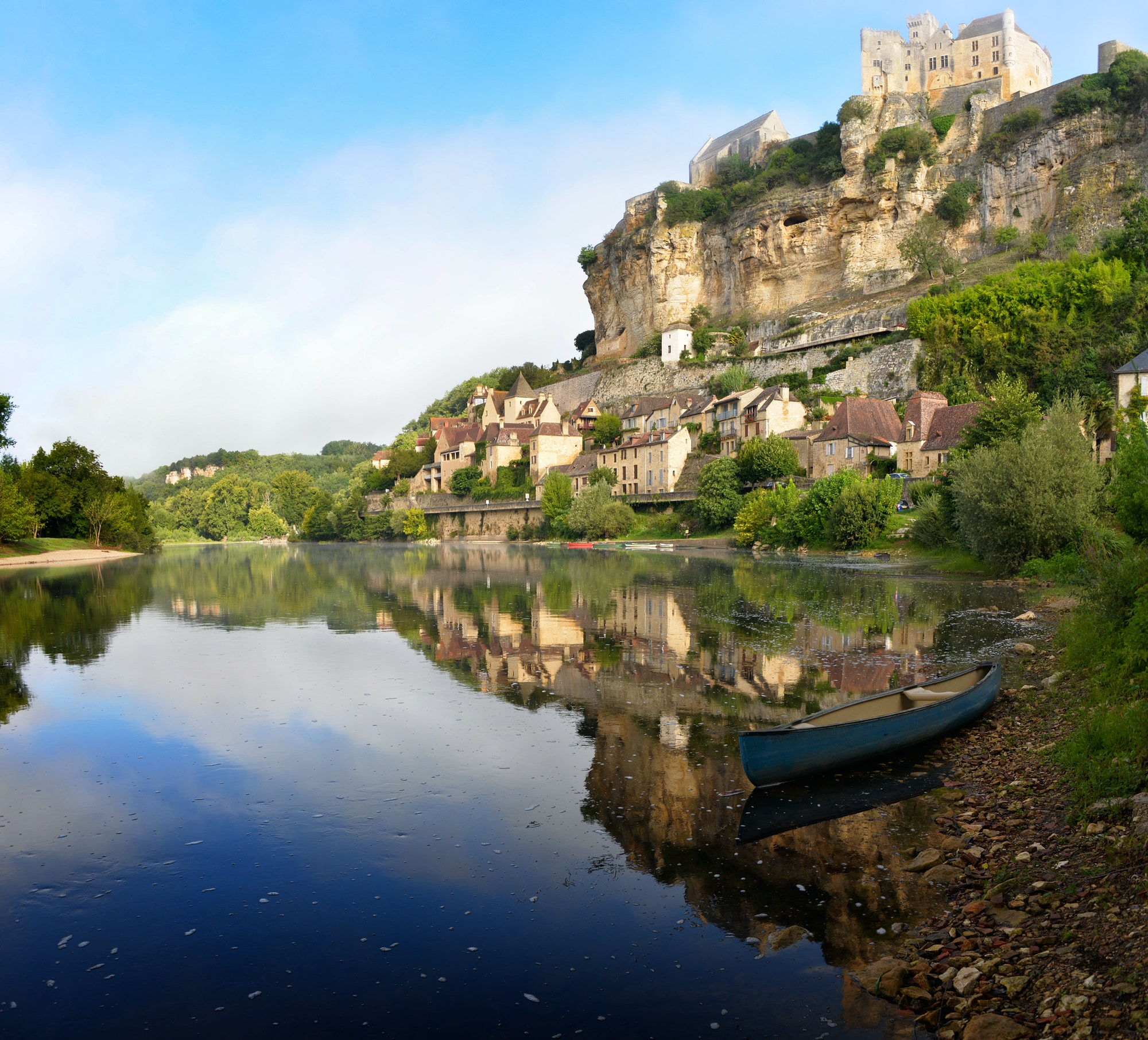 Beynac-et-Cazenac village along Dordogne river